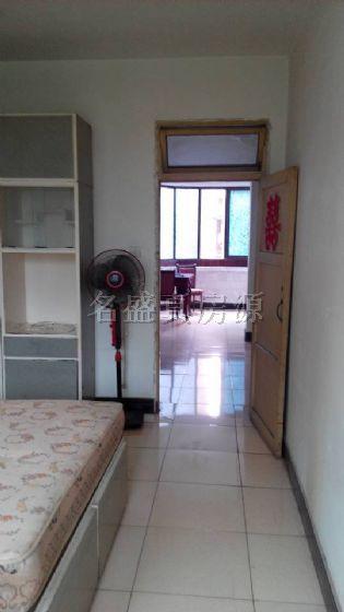 临竹公溪 装修两室 家具都是新换 带空调
